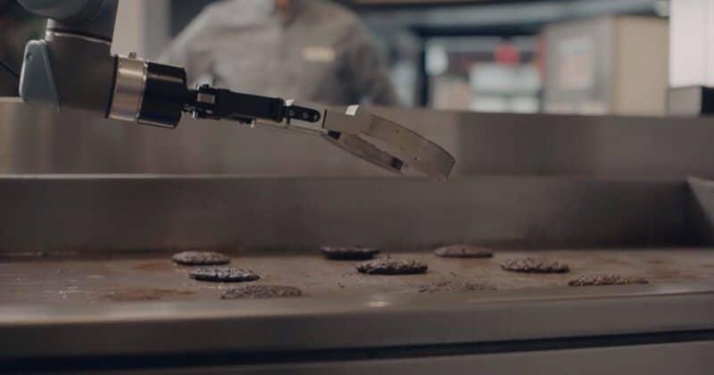 Flippy: il robot che cucina gli hamburger - SinApps - Web Agency Milano